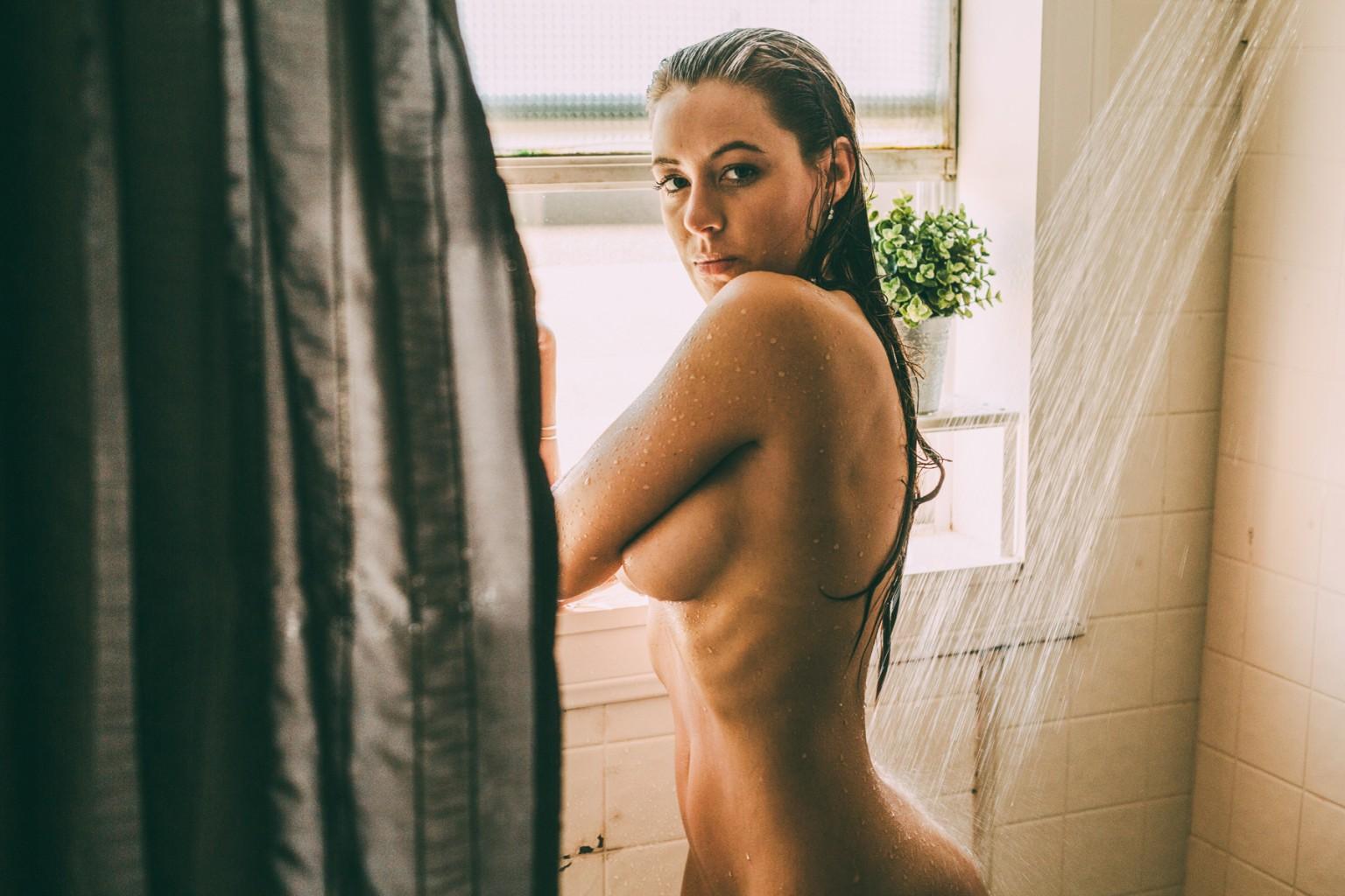 Miranda Tillinghast  nackt