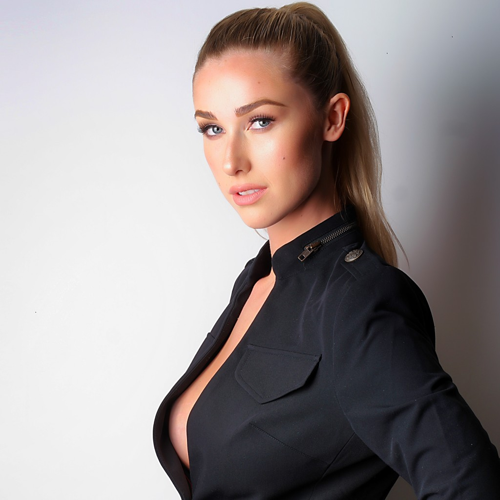 noelle foley miss jetset magazine cover model contest